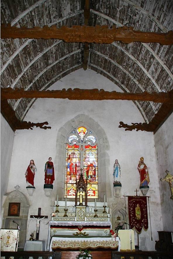 Eglise de Saint Aubin avec ses sablières