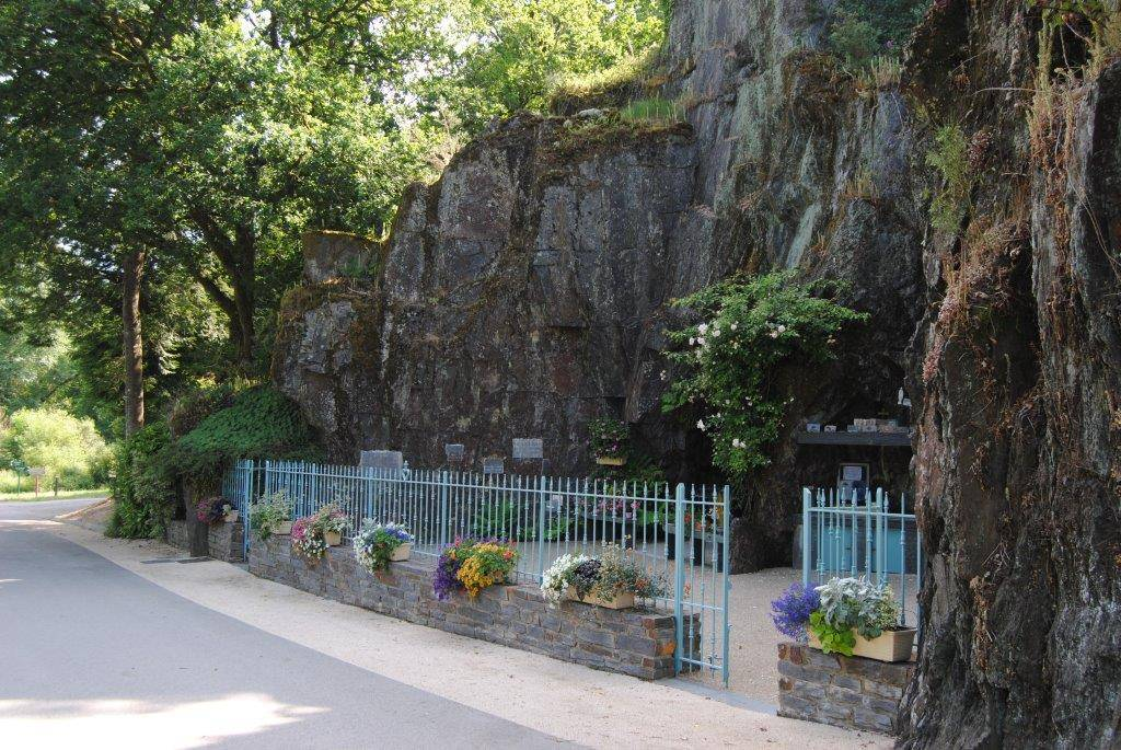 la grotte de Callac